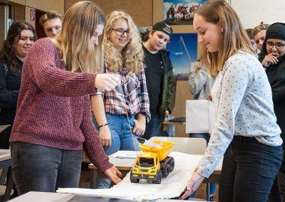 Schnuppertag Ingenieurwissenschaften: Schülerinnen und Schüler der Bonhoeffer Realschule