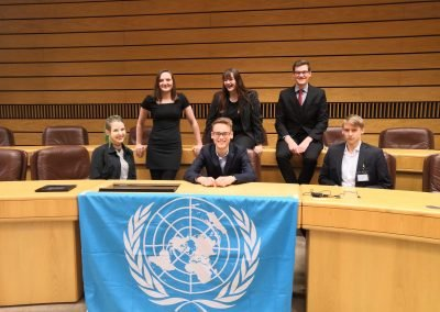 Model United Nations in Classroom 2018 - Die Delegierten (v.l. Isabelle Althoff, Lucie Dieckmann, Moritz Schult, Lea Kramps, Leon Werker, Paul Dziuk)