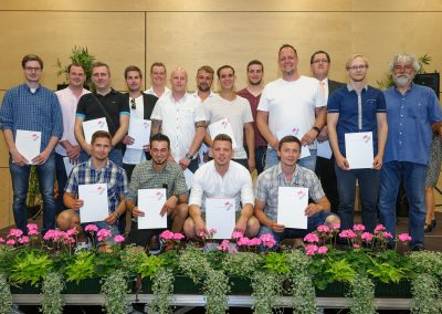 Die Absolventen 2019 der Fachschule für Technik des Max-Born-Berufskollegs.