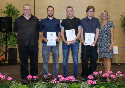 Die drei besten Absolventen 2019 der Fachschule für Technik des Max-Born-Berufskollegs: Clemens Grabowski, Marius Preuth, Nico Wroblewski,