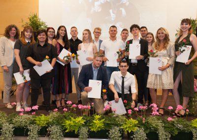 Die Absolventinnen und Absolventen der Allgemeinen Hochschulreife, hier die Klasse A3G2.